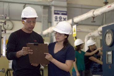 concertation entre ingénieurs